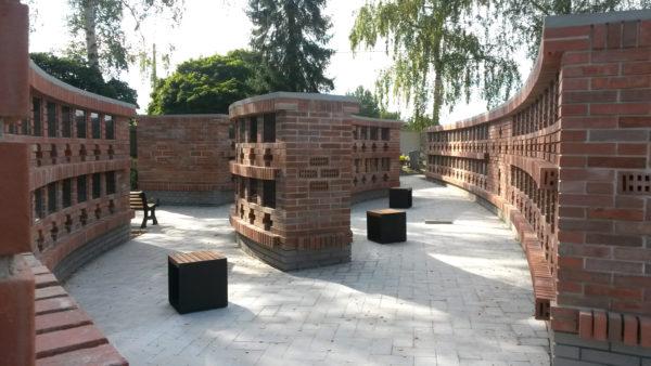 8.245 Holysov-hrbitov-01